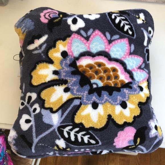 NWT Vera Bradley travel pillow/blanket